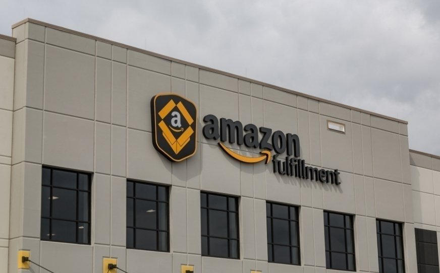 Na zdj. Amazon Fulfillment Center w Shakopee w stanie Minnesota
